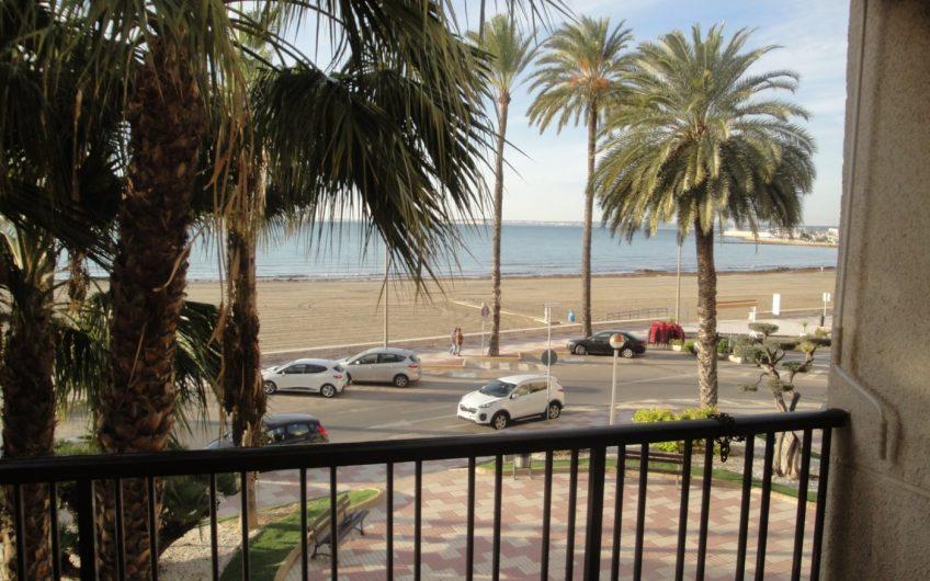 Apartamento en Santa Pola en primera linea de playa