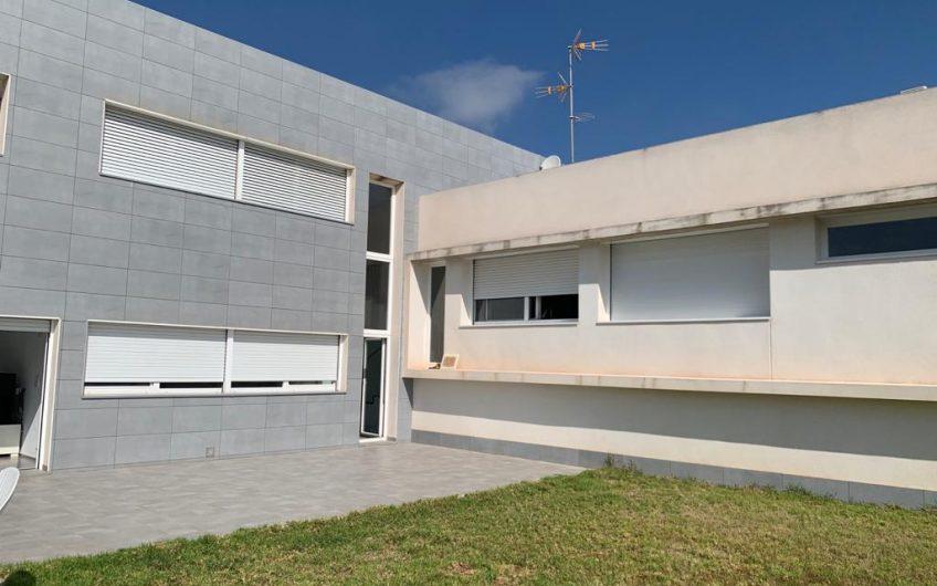 Villa de diseño en Valverde (Elche)