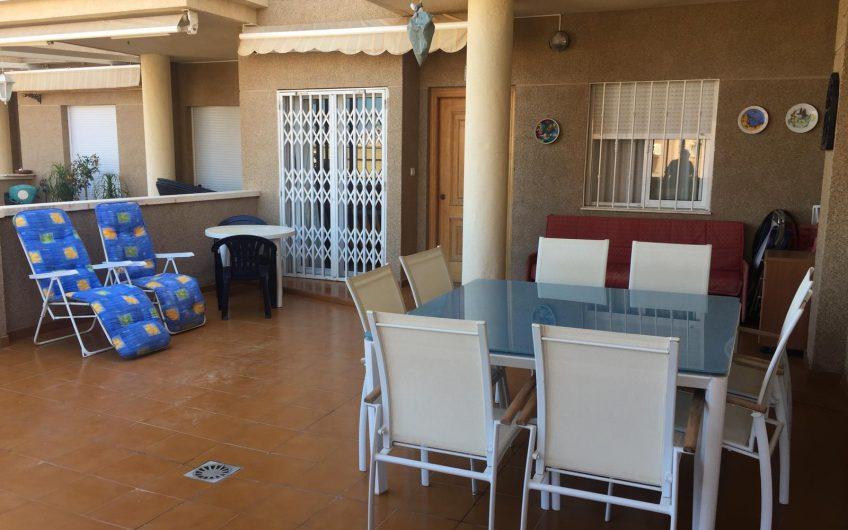 Apartamento en Arenales en segunda línea